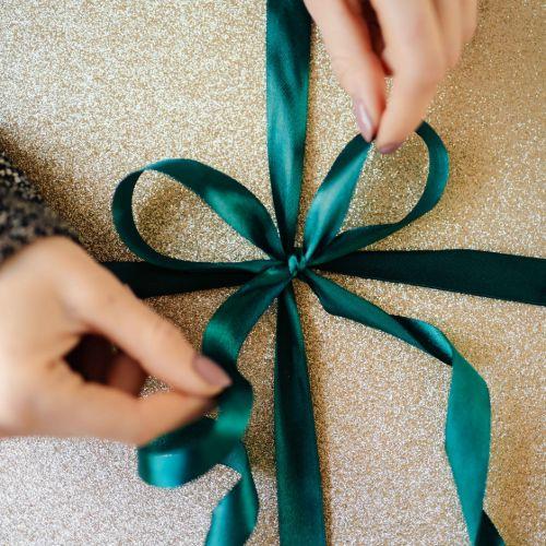 Trake za pakiranje poklona